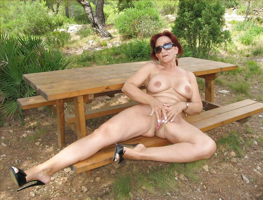 Lonely nude housewife amatuer